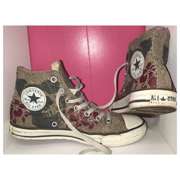 33fb18372915 Converse Shoes - Rare tattoo Chuck Taylor Converses skull   Flowers